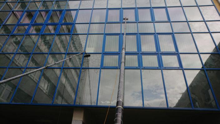 Mycie szklanej fasada, Wrocław